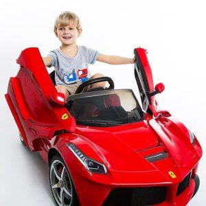 voiture enfant ferrari